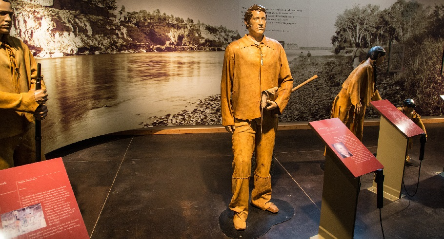 Lewis and Clark exhibit at Pompeys Pillar National Monument in Montana. Photo by Bob Wick, BLM.