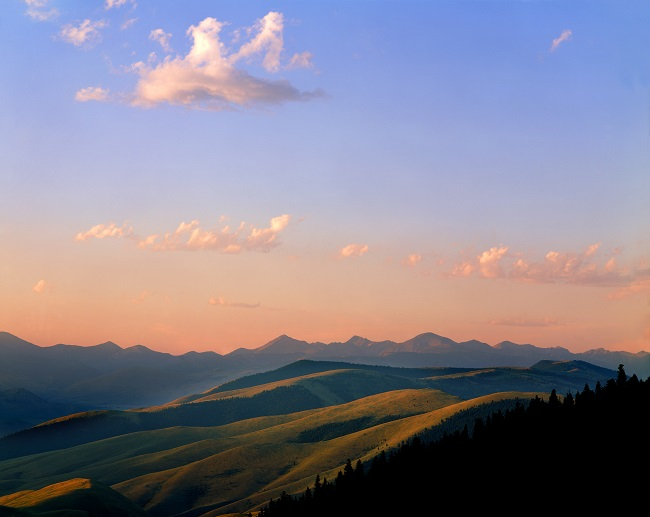 A sunrise view of the mountains overlooking the Lewis and Clark Trail in Idaho.